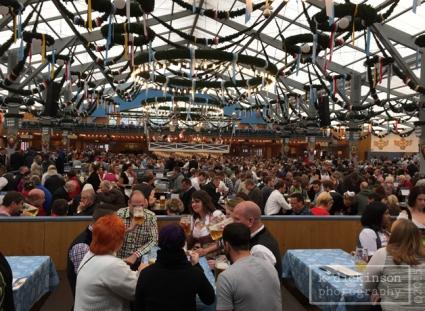 Oktoberfest, Noon