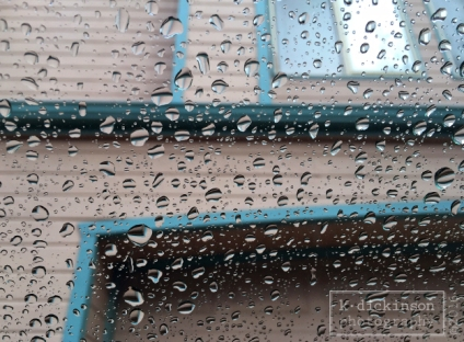 Raindrops on a car winshield